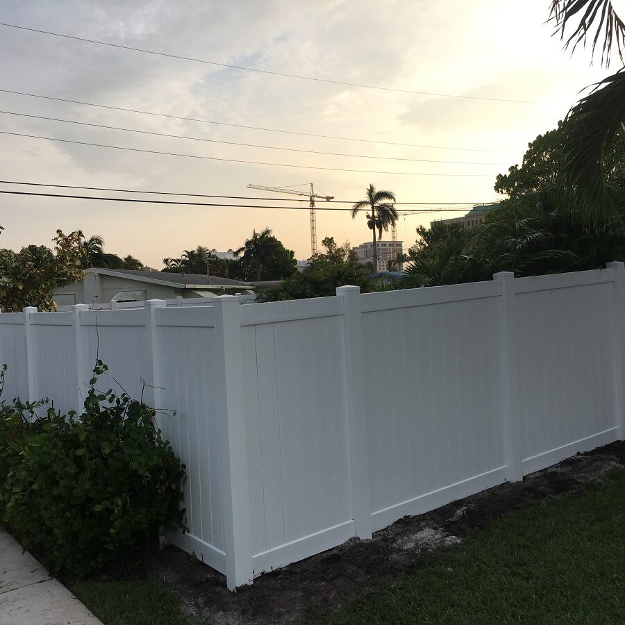 pvc and vinyl fence to protect residential property in plano